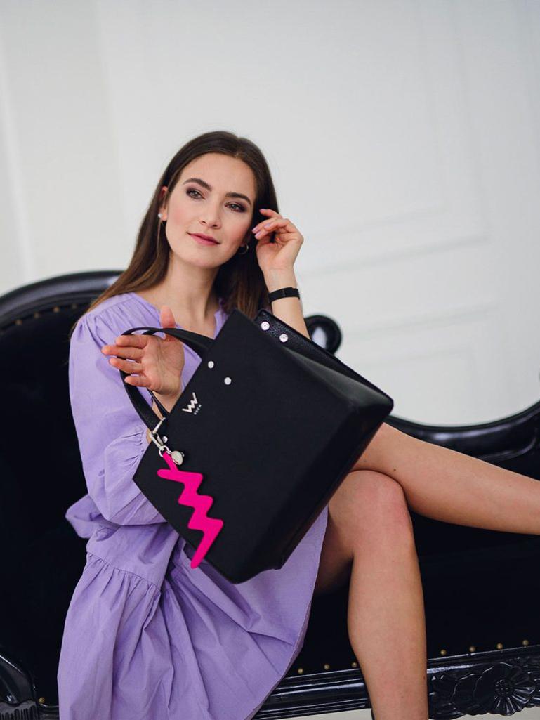 Vuch crna torbica Jenny
